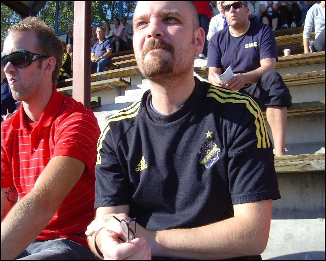 Johan ser på AIK:s damer